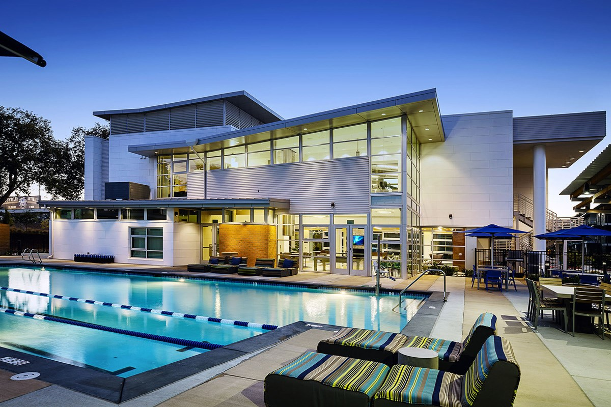 Capitol Yard Apartments_ West Sacramento CA_Sparkling Relaxation Pool & Spa